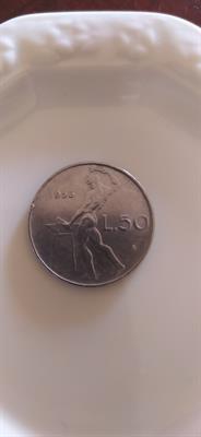 Moneta valore di 50 lire del 1956