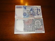 Banconote tenute molto bene