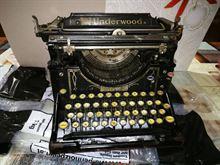 Macchina da scrivere antica underwood