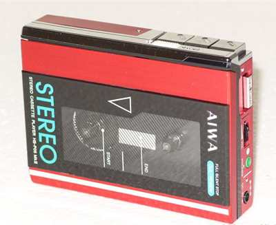 Aiwa HS-P05 MKII Stereo Cassette Player rosso