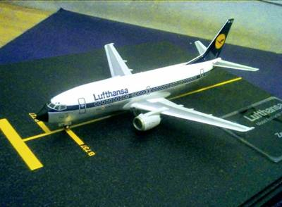 Straordinario modello vintage del Boeing 737a Bari
